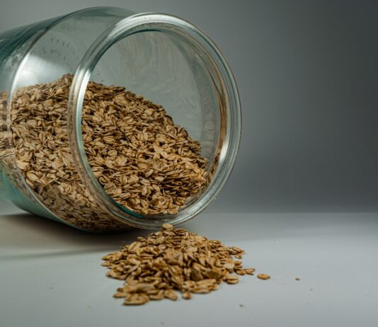Benefits Of Oats For Skin, Hair, And Health