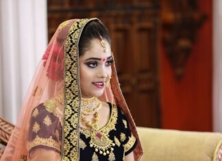 Bridal Makeup Kit In India full Information